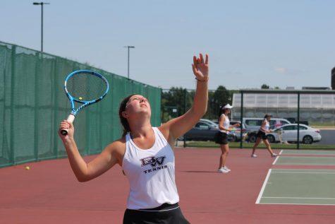 Girls Tennis Serves Up a Good Season