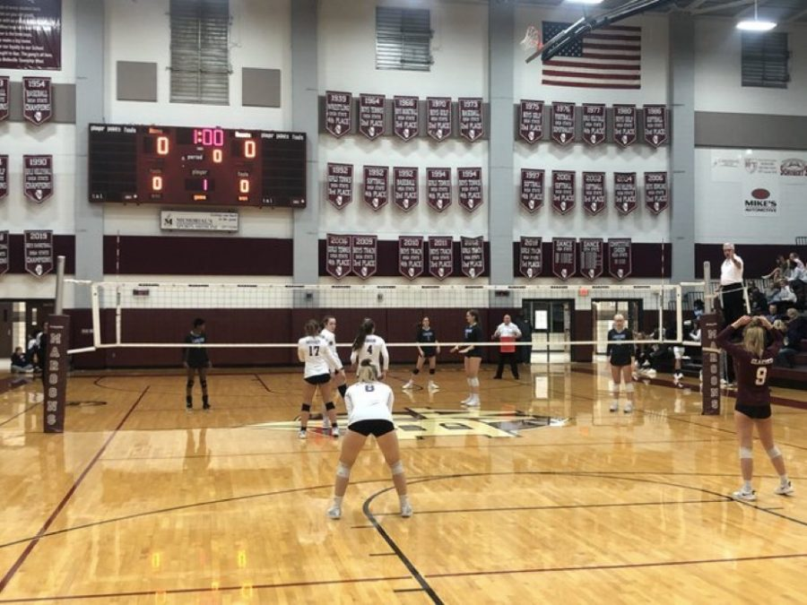 Girls Volleyball Plays in Playoffs