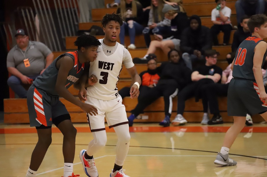 Boys Basketball Competes in the Washington Tournament of Champions